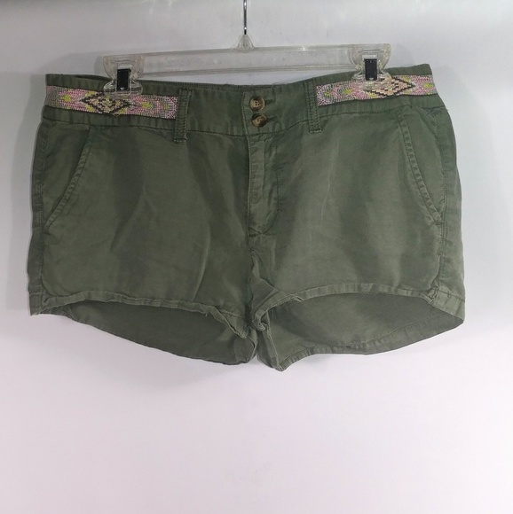 American Eagle Outfitters Pants - American eagle shorts size 8